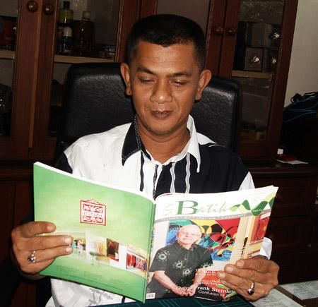 Kelantan Kraftangan Director, Mr.Kamaruzaman  B.Hj.Idris