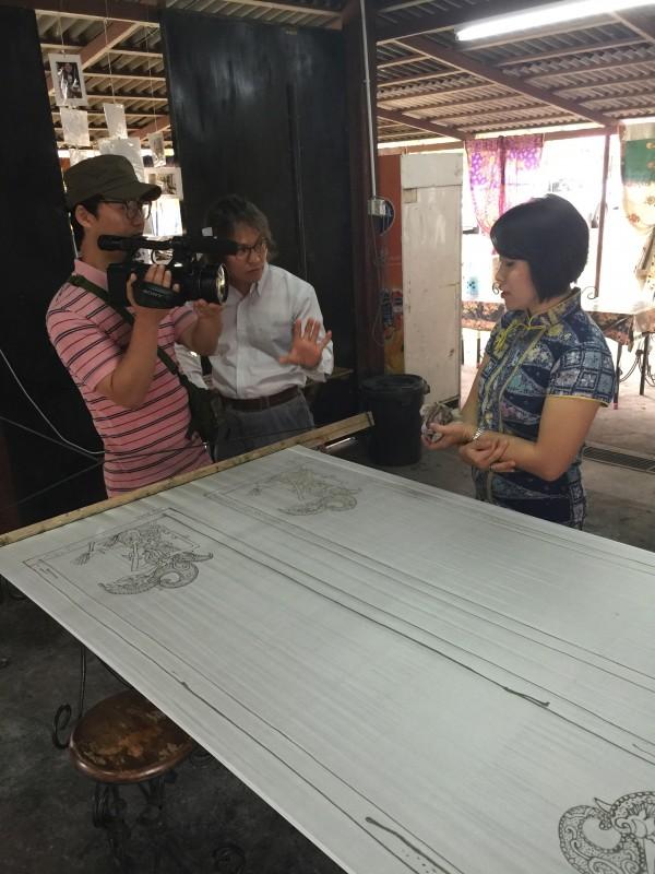 KOREA BROADCASTING SYSTEM KBS ( ASTRO CHANEL 303 ) feature Emilia about Malaysian Batik