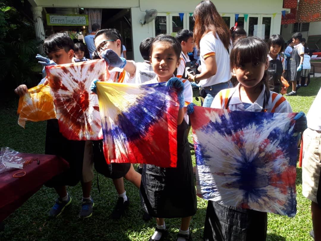 Children Art Activity Malaysian Batik myBatik Kuala Lumpur myBatik Workshop  School Field Trip Tie Dye Workshop 54b3c9d39d